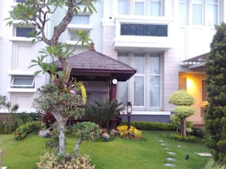 Oficinas y comercios de estilo minimalista de Tukang Taman Surabaya - flamboyanasri Minimalista