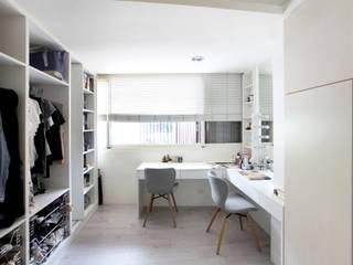 Modern dressing room by 築一國際室內裝修有限公司 Modern