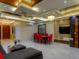 Living Room:  Living room by shritee ashish & associates