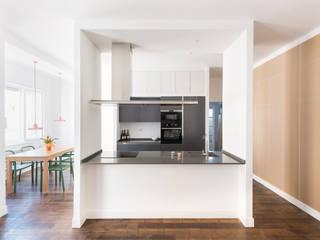 Grippo + Murzi Architetti Modern kitchen