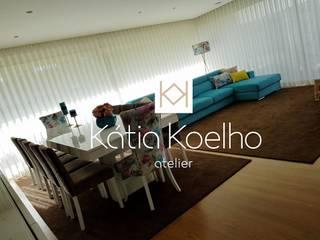 Moradia de Luxo em Fão: Salas de jantar  por Atelier Kátia Koelho