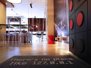 Hành lang, sảnh & cầu thang phong cách công nghiệp bởi INSIDE ARQUITETURA E DESIGN Công nghiệp
