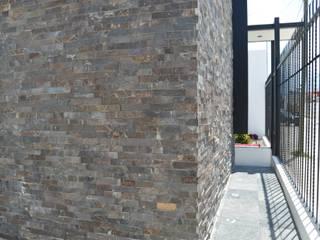 Casa FM: Casas de estilo  por Zona Arquitectura Más Ingeniería