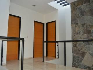Zona Arquitectura Más Ingeniería Modern style doors