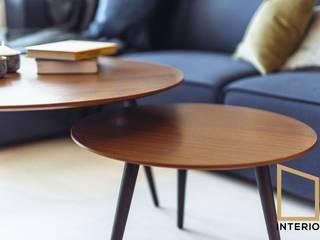 Hint of white&wood: styl , w kategorii  zaprojektowany przez Grupa Interio