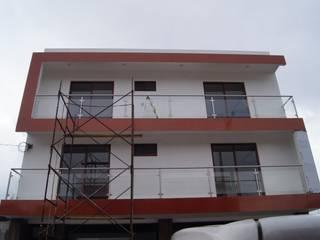FACHADA PRINCIPAL: Casas de estilo  por ARQUITECTOS TREJO