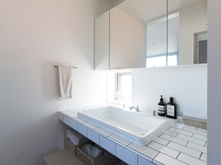 Eclectic style bathroom by ラブデザインホームズ/LOVE DESIGN HOMES Eclectic