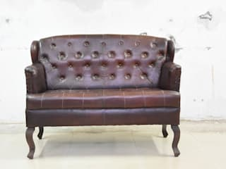 leather sofa: colonial  by MAKERS ART EXPORT ,Colonial