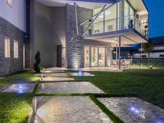 Villa Vittorio: Case in stile  di  INO PIAZZA studio