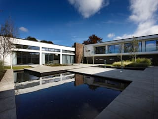 Support the Environment Moderne Pools von Ecologic City Garden - Paul Marie Creation Modern