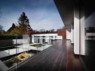 Support the Environment Moderner Balkon, Veranda & Terrasse von Ecologic City Garden - Paul Marie Creation Modern