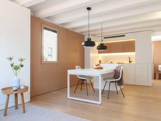 YLAB Arquitectos Comedores de estilo escandinavo