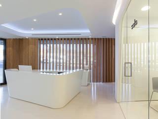 YLAB Arquitectos Clinics