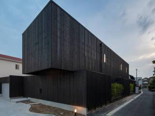 Casas de estilo  de 五藤久佳デザインオフィス有限会社, Moderno