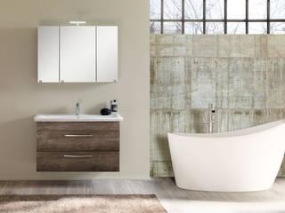 Modern style bathrooms by FALEGNAMERIA ADRIATICA S.r.l. Modern