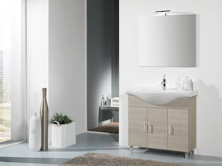 Classic style bathrooms by FALEGNAMERIA ADRIATICA S.r.l. Classic
