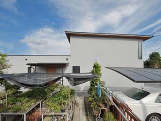 細長い家 北欧風 家 の 岩田建築アトリエ 北欧
