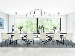 Dom w Pszczynie: styl , w kategorii Jadalnia zaprojektowany przez FAJNY PROJEKT