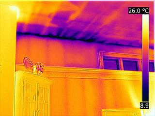 Indagini termografiche certificate: Camera da letto in stile  di Architetto Termografo  Massimiliano Aguilera