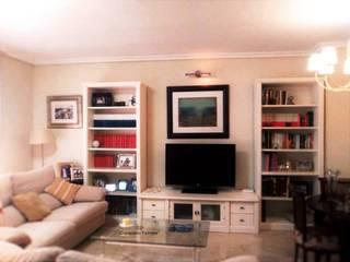 Restauración de mueble librería: Salones de estilo  de CONSUELO TORRES