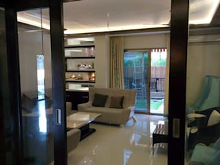 Indrapuram Delhi:   by line n design interior