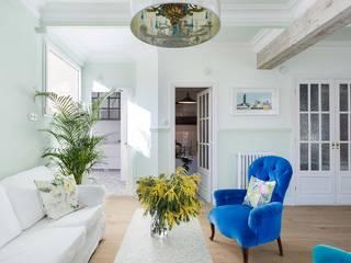 غرفة المعيشة تنفيذ Imaisdé Design Studio