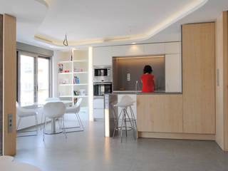 Cocina y comedor: Módulos de cocina de estilo  de Loft 26