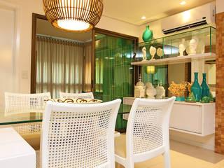 Apartamento em Fortaleza para férias: Salas de jantar  por RI Arquitetura