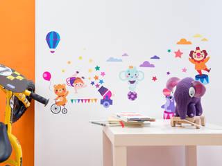 Adesivi da parete Multicolor di Decoramo Eclettico