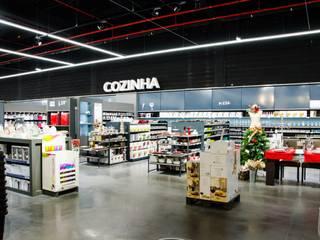 Loja DeBorla - projetores de calha Brilumen: Lojas e espaços comerciais  por Brilumen,Moderno