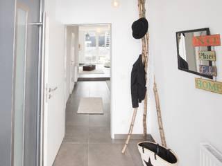 Neubau mit ausgefallener Architektur in Bonn von HOMESTAGING Sandra Fischer Skandinavisch