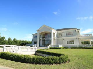 Emprendimiento Chateau Pilar Casas modernas: Ideas, imágenes y decoración de ARQCONS Arquitectura & Construcción Moderno