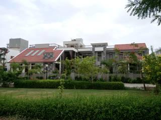 Surohi Bungalow Passive House by Hardik Soni Architects Modern