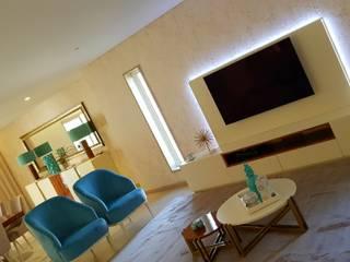 Remodelação Moradia de Luxo em Barcelos: Salas de estar  por Atelier Kátia Koelho