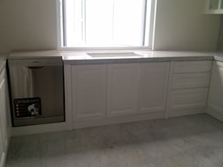 luxe interior KitchenCabinets & shelves Plywood White