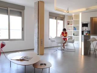 Espacio abierto cocina-comedor-salón: Cocinas integrales de estilo  de Loft 26