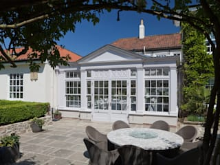 Twin roof lantern orangery homes a luxury kitchen Classic style conservatory by Vale Garden Houses Classic