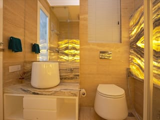 Interior and Exterior Residence Design Modern bathroom by Innerspace Modern