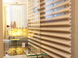 Renovação de Apartamento em Fortaleza: Corredores e halls de entrada  por RI Arquitetura