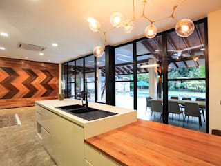 Studio BEVD Modern Kitchen