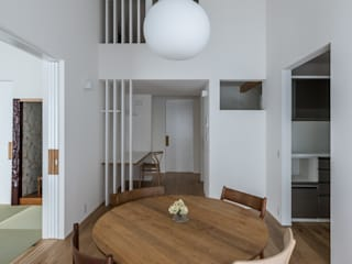 Scandinavian style dining room by 安江怜史建築設計事務所 Scandinavian