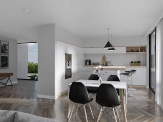 Habitação Aroeira : Cozinhas modernas por AES - Arquitectura Engenharia e Serviços