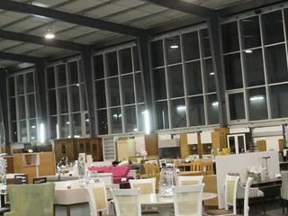 Ruang Makan Klasik Oleh J. F. LOUREIRO DOS SANTOS, UNIPESSOAL, LDA Klasik