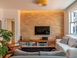 Modern living room by Raquel Junqueira Arquitetura Modern