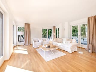 Living room by Münchner home staging Agentur GESCHKA, Classic