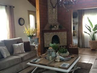 Decoración interior casa finca : Salas de estilo  por Nancy Trejos