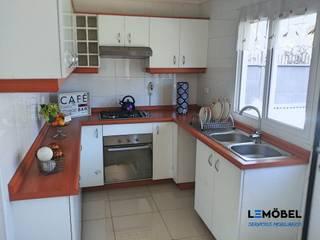 Cocina Olmos :  de estilo  por Servicios Mobiliarios LeMöbel SpA