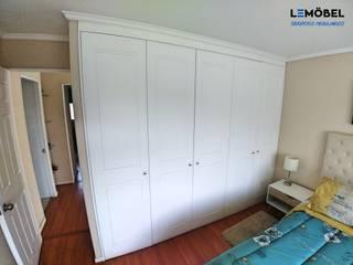 Closets Vivienda Olmos :  de estilo  por Servicios Mobiliarios LeMöbel SpA