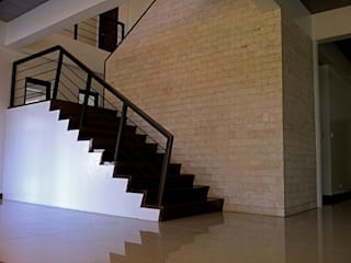 Escaleras de estilo  por Architecture Creates Your Environment Design Studio