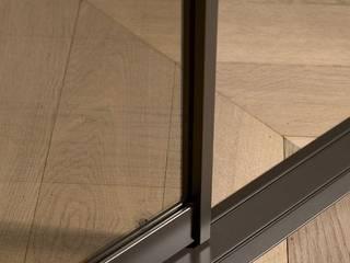 aufgesetzte Bodenschiene:   von hyller Wohnsysteme GmbH